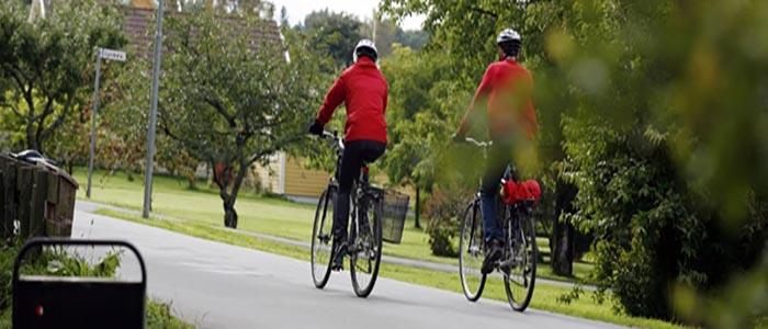 par som cyklar